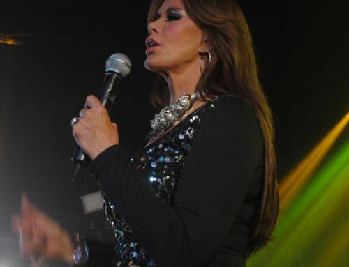 Lleno Total concierto de Lucía Méndez en los Ángeles