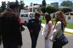 Lucía Méndez recibe los reconocimientos el Heraldo de Toluca y Mano Amiga